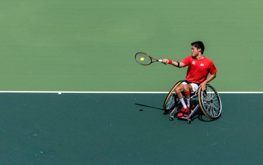 shingo kunieda playing tennis