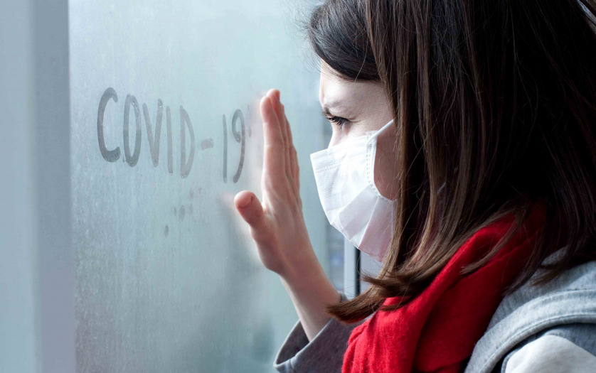woman self quarantine