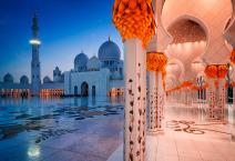Night view at Sheikh Zayed Grand Mosque, Abu Dhabi