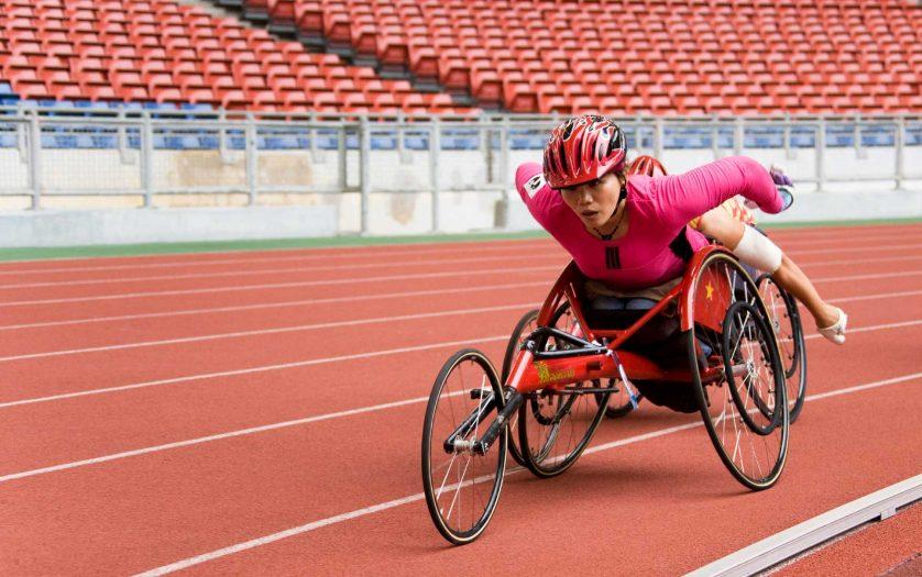 women 800 meters wheelchair race