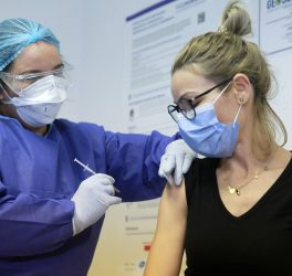 receives the covid vaccine